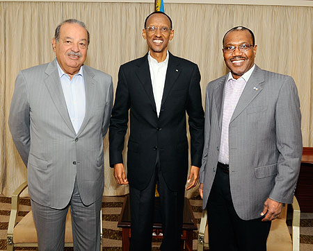President Paul Kagame and fellow Broadband Commission co-chair, Carlos Slim (L) and Dr Hamadoun Touré, the ITU Secretary-General, during the Commission's meeting in Kigali, yesterday. The New Times/Village Urugwiro.