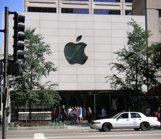 "Apple in its petition said the June decision by the 2nd US Circuit Court of Appeals in New York contradicted Supreme Court precedent and would ""chill innovation and risk taking."" Image Credit: WikiMedia"
