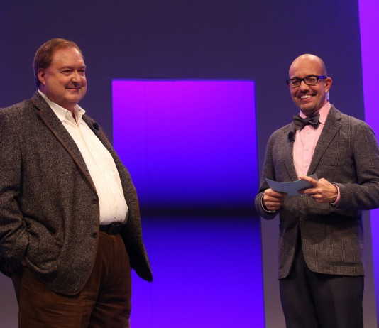Microsoft Dynamics Corporate VP Bob Stutz (left) stepped down from his job running Microsoft Dynamics CRM. Image Credit: Microsoft