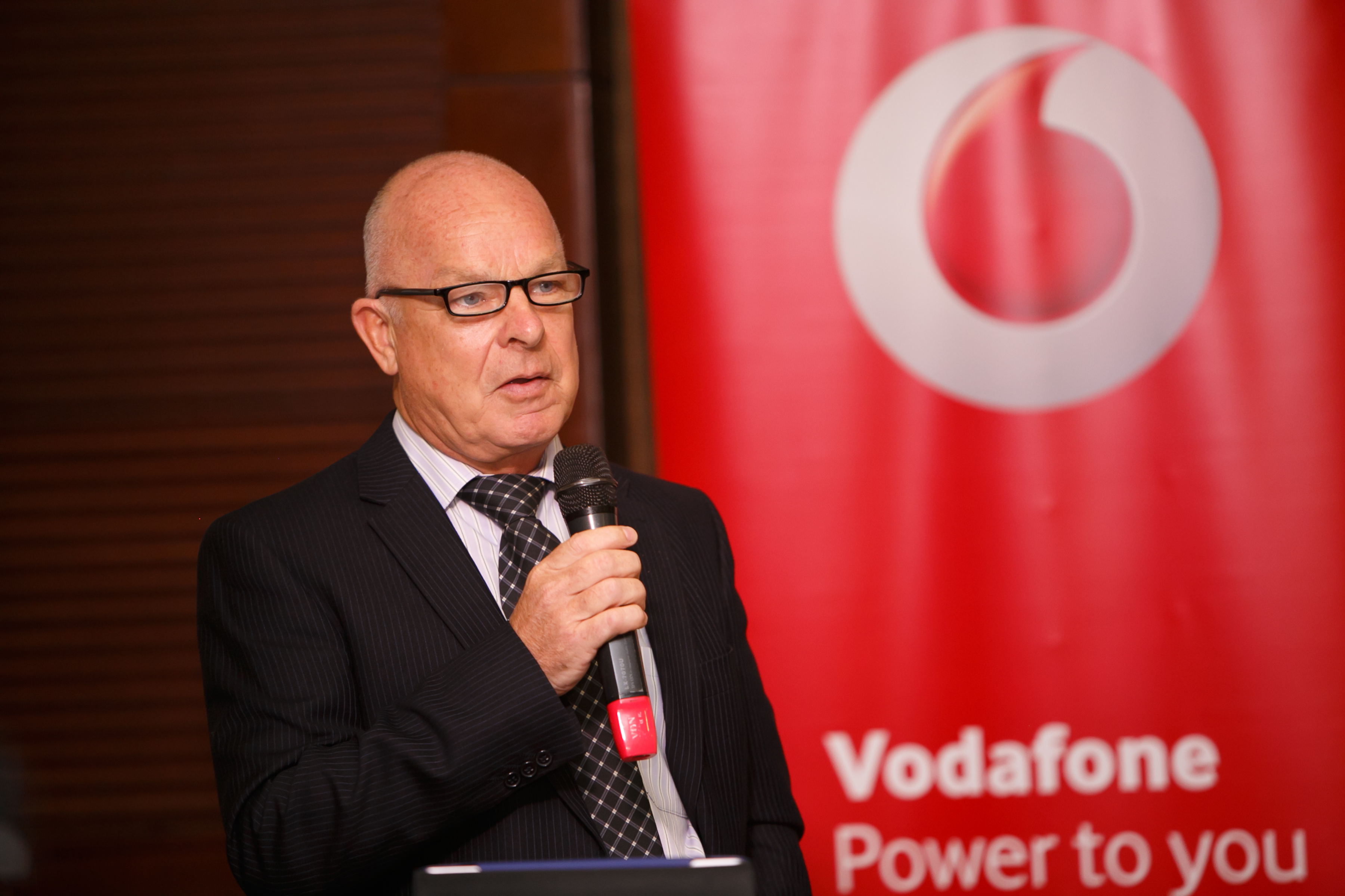 Allan Richardson, CEO Vodafone Uganda speaks at the 3rd Edition of Vodafone PowerTalks held recently at Kampala Serena Hotel.