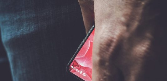 The Bezel-less Android Smartphone will be made by Rubin's Essential Products Inc. Image Credit: Rubin Twitter Page