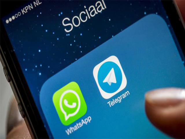 New vulnerability revealed in WhatsApp and Telegram, allowed hackers to gain complete control over user accounts. Image Credit: de Volkskrant