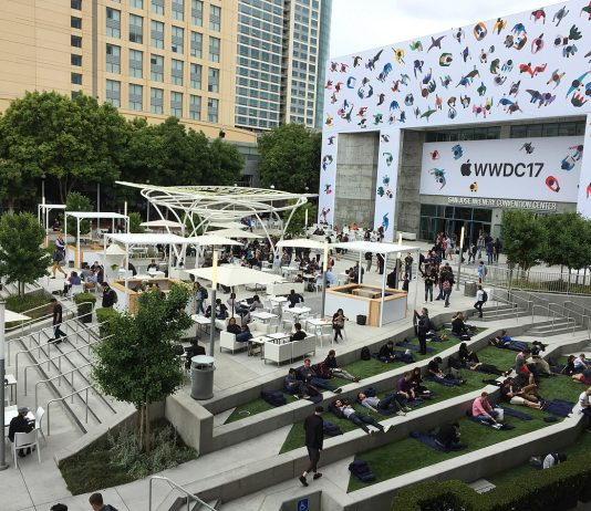 The plaza in front of the San Jose Convention Center in San Jose, California, United States, during the 2017 Apple Worldwide Developers Conference (WWDC). (Photo from Wikipedia)