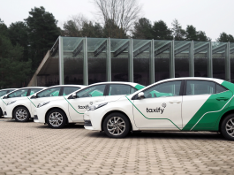 Taxify lowers its fare upto 50% throughout March. (Photo Courtesy: Taxify)