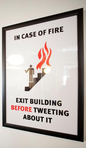 Exit_before_tweeting