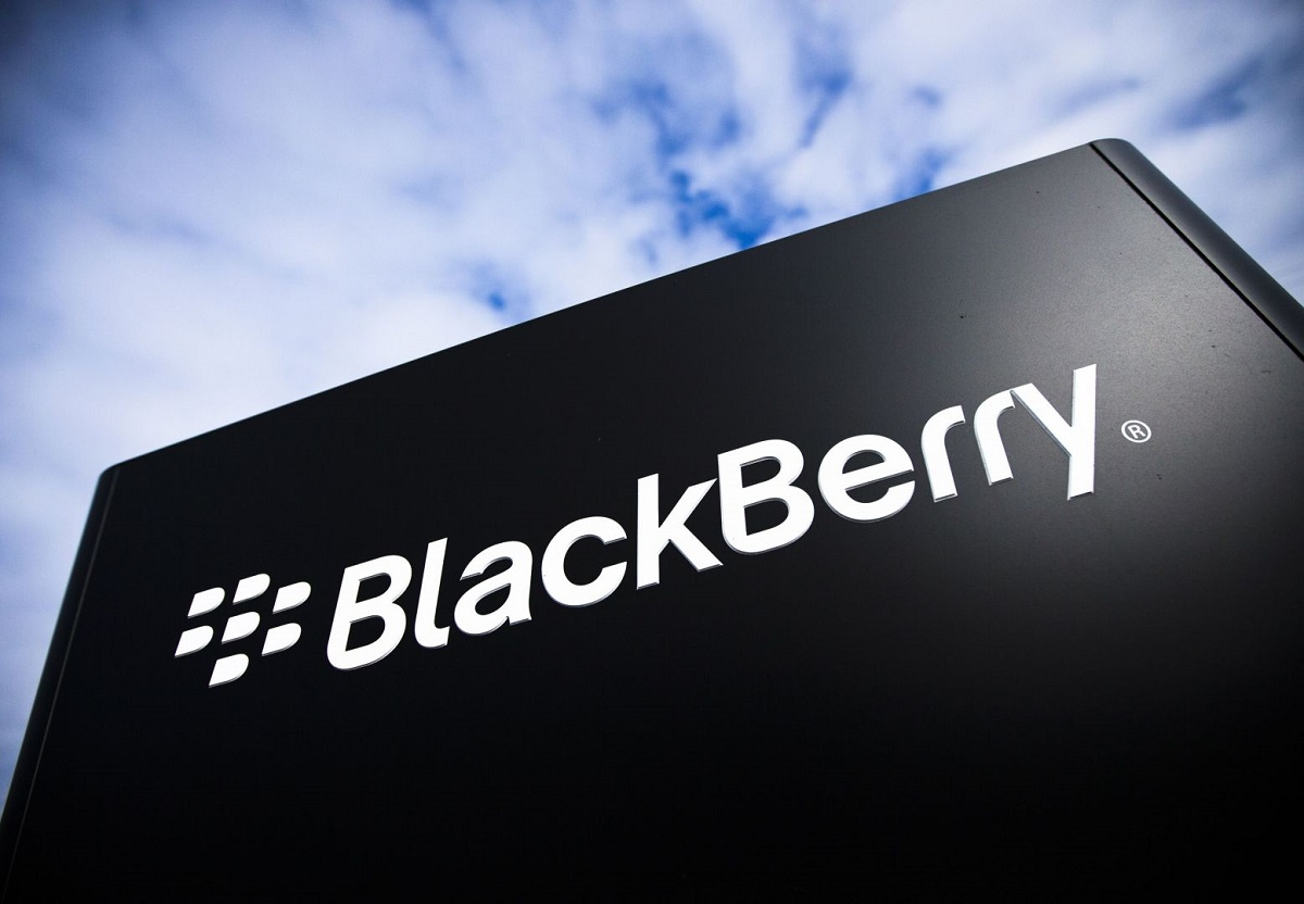 Photo of Chinese manufacturer TCL has bought all the global rights to the BlackBerry name