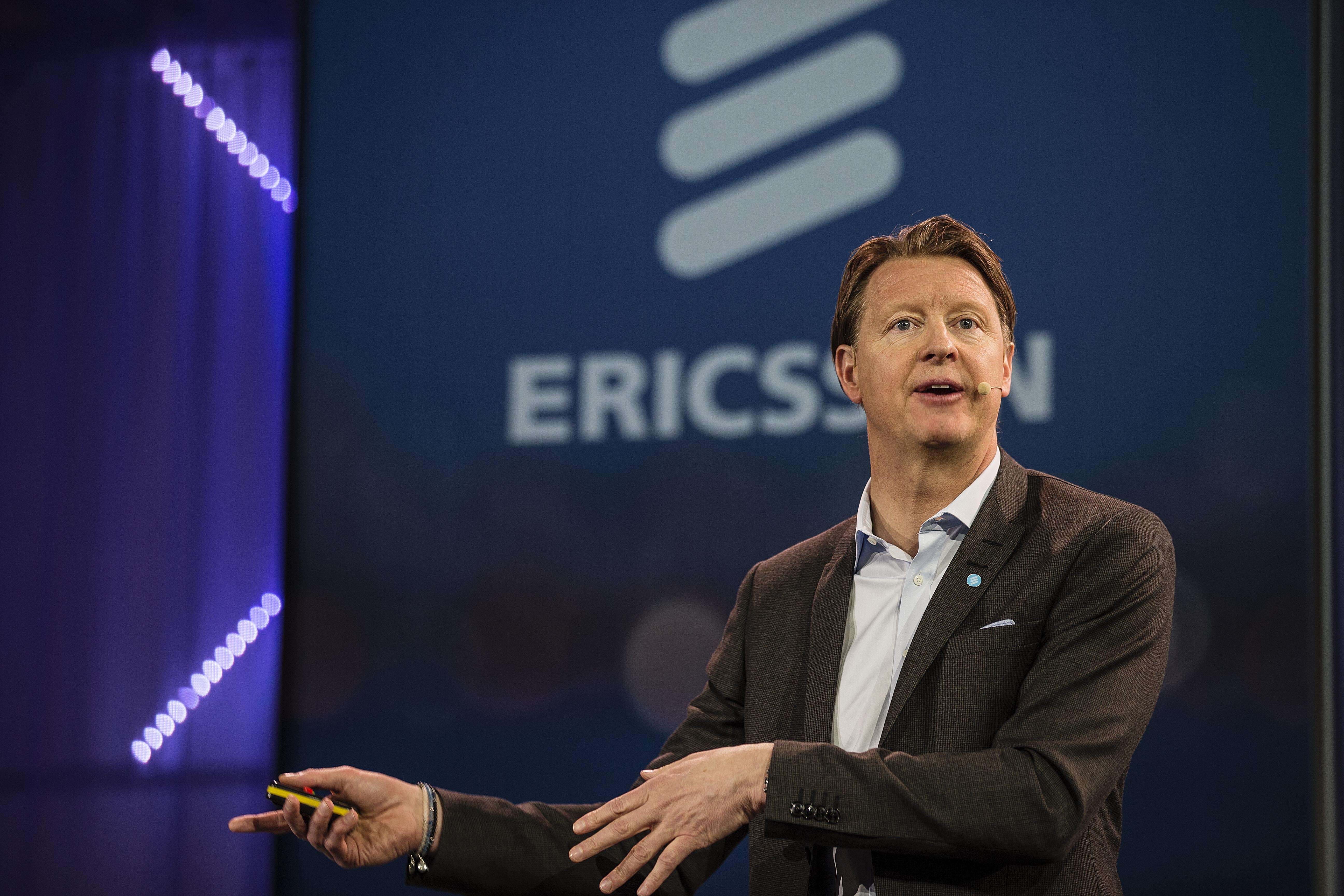 Photo of Ericsson and Cisco eye $1b sales in network partnership