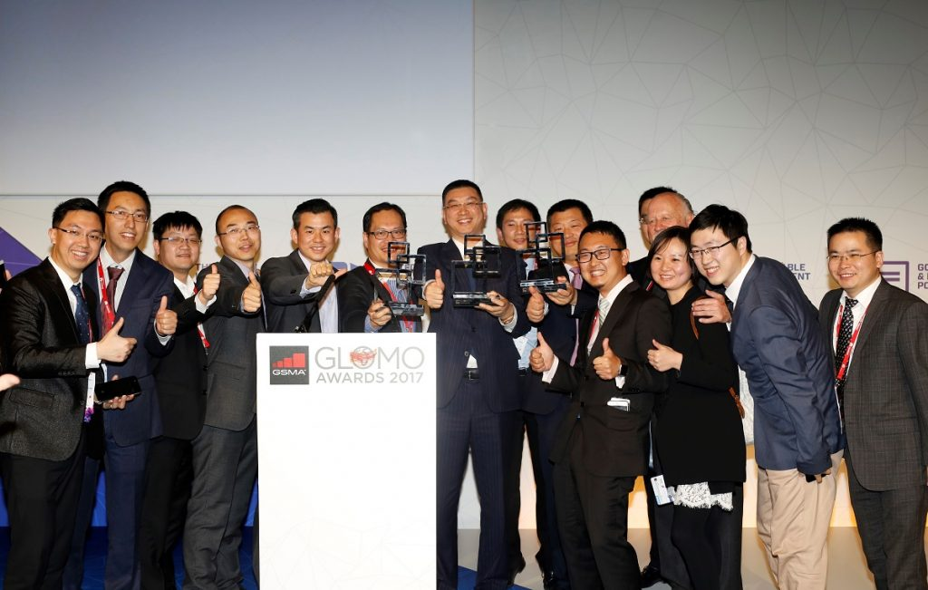 """Huawei team poses for a group photo for their """"Outstanding Contribution for LTE Evolution to 5G"""" adward their won at Mobile World Congress 2017 in Barcelona on Thursday March 02nd, 2017. Image Credit: Huawei"""