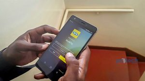 Pictured a person using the MyMTN app for Android. (Photo by PC TECH MAGAZINE/Jeddy Genrwot)