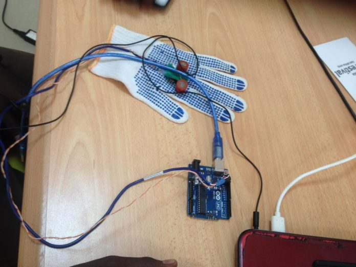 BreastIT is developinga portable and affordable technology for the screening of breast cancer, composed of a Glove (that does screening) and software (that does the image analysis). (Photo Credit: BreastIT)