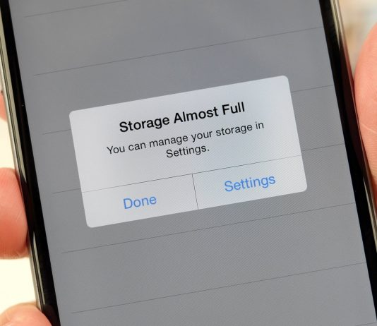 Running out of storage space on iPhone. (Photo Courtesy: Cashify)