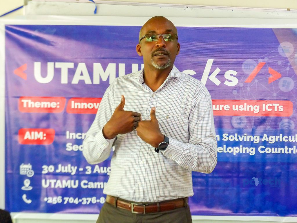 Michael Niyitegeka speaks to participating students for the UTAMU Agriculture hackathon at the UTAMU head campus in Bugolobi on Monday 30th, JUly 2018.