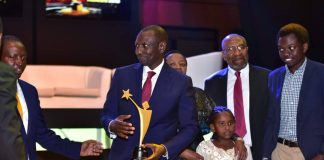 H.E Deputy President to Kenya, William Ruto pictured accepting his Life Time Achievement Award at the 2018 Young Achievers Award held at the Kampala Serena Hotel on Saturday 18th, August 2018. (Photo Courtesy)