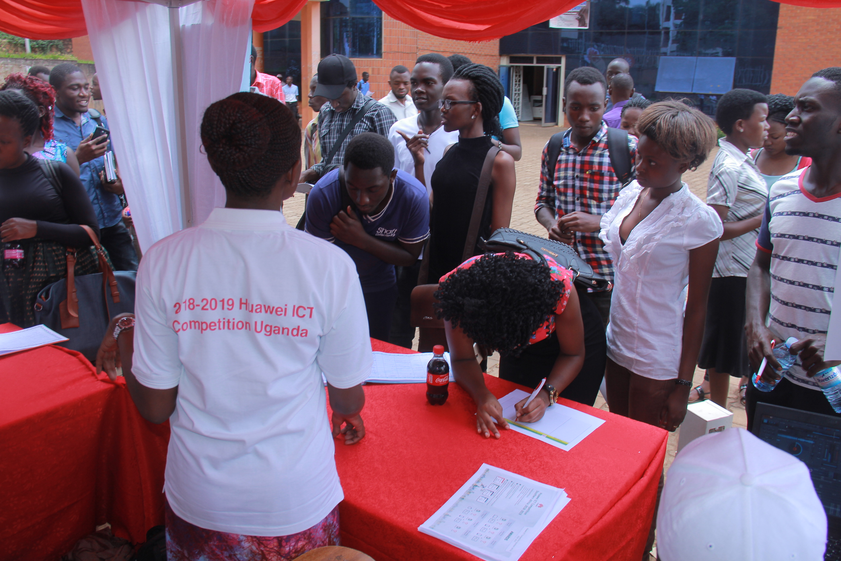 Photo of Over 800 Ugandan ICT Students Register for Huawei's Global ICT Skills Competition