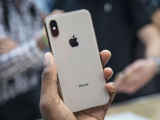 The iPhone XS and iPhone XS Max can be got in a Gold color variant. (Photo Courtesy: Bloomberg)