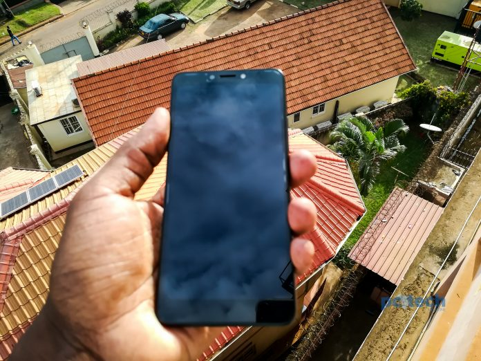 The itel S13 comes with a5.5-Inch IPS Full screen display with a resolution of 480 x 960 pixels and 196 pixels per inch density for sharp visuals.