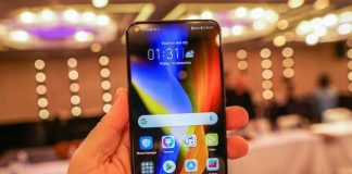 A person holds the Honor V20 at its official announcement in China on Wednesday 26th, December 2018 while global launch is set for January 22nd, 2019 in Paris, France. (Photo Courtesy)