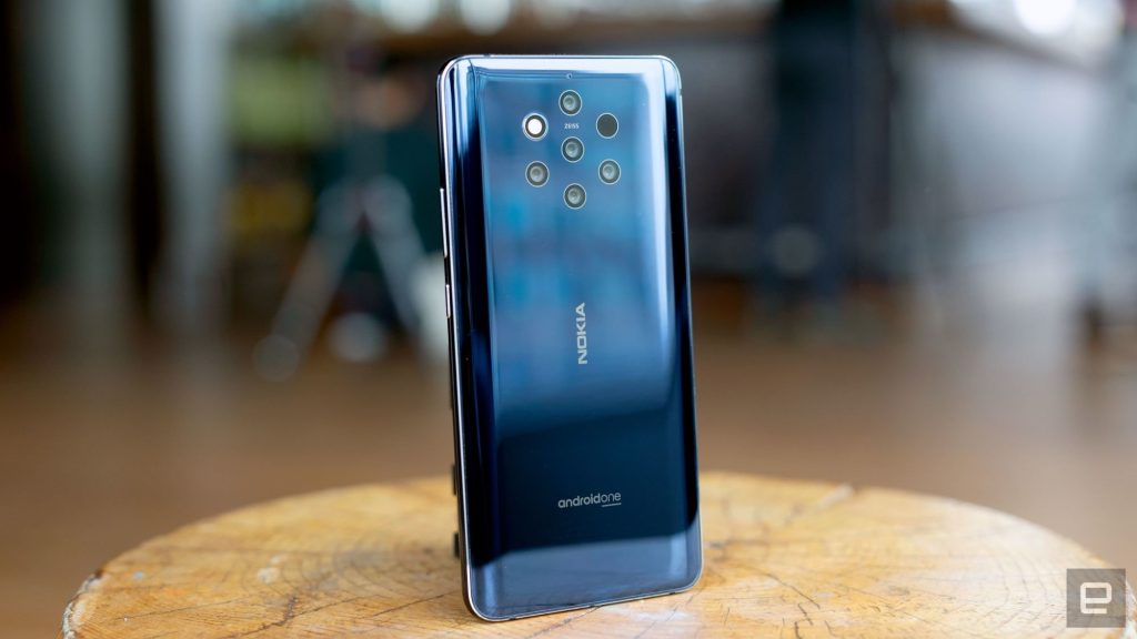 The Nokia 9 PureView launched a the MWC in Barcelona comes with 5 rear camera setup | Photo by : Engadget.
