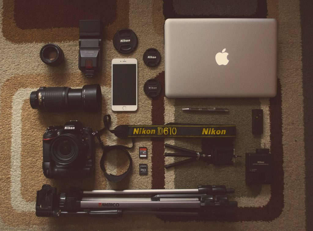 Equipment is the biggest essential tool when it comes to vlogging. Even a smartphone does work, but it is worth investing in more gear to produce better quality videos | Photo by StockSnap from Pixabay.