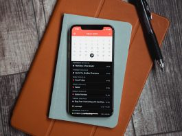 A calendar app opened on an iPhone | Courtesy Photo : The Sweet Setup.