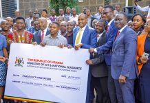 Rt. Hon. Ruhakana Rugunda and Hon. Frank Tumwebaze, on Wednesday officially handed over a shared UGX6 billion grant to the second cohort winners of the National ICT Initiatives Support Programme (NIISP).