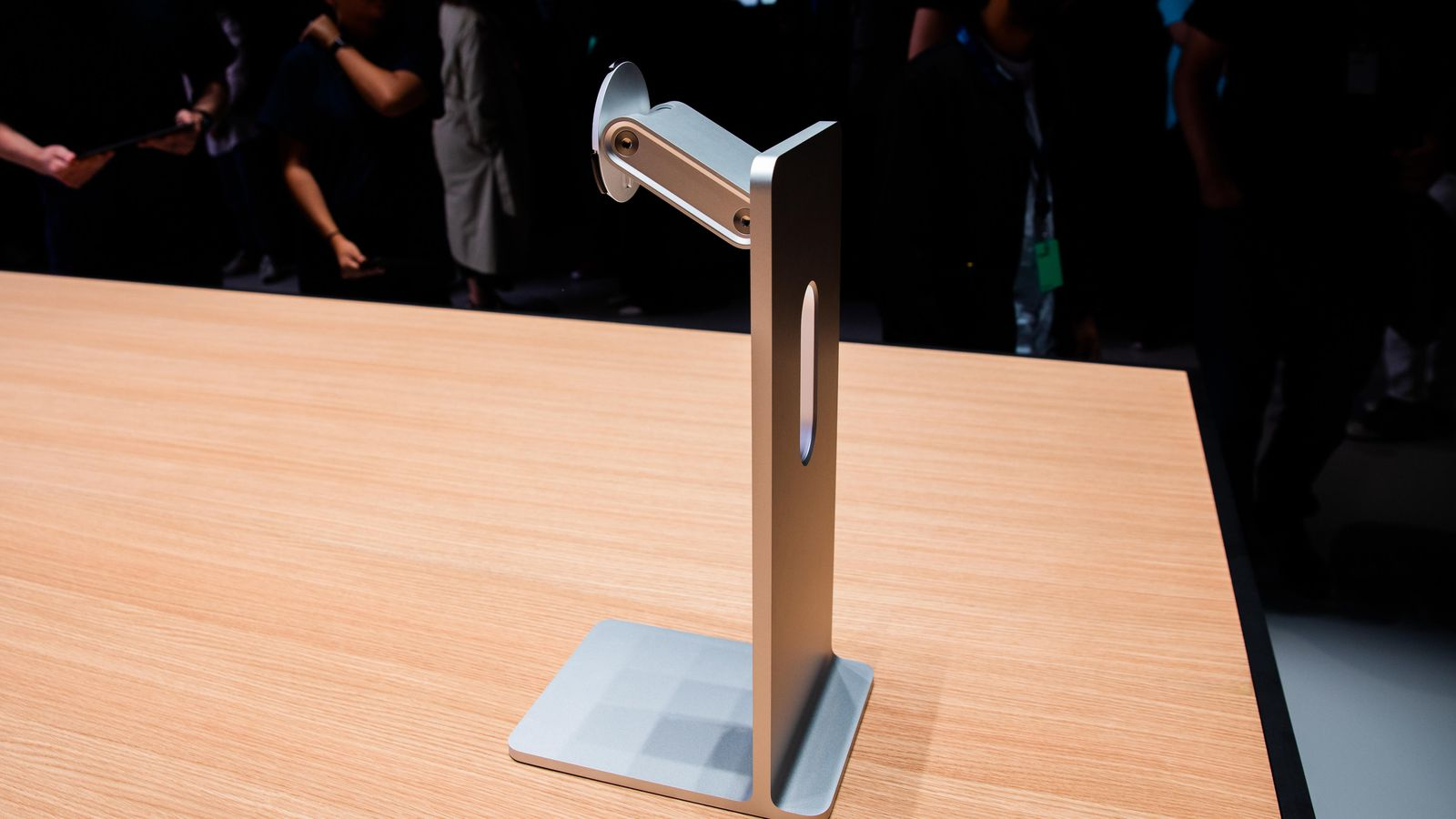 Photo of People Pissed With Apple's Ridiculous $1,000 Monitor Stand